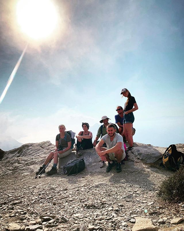 Island Squad.... . . . . #aov #eclectic_shotz#retreat#folkmagazine #spiritualretreat#folksouls#pathfinders#visualsofearth#discoverearth#earthofficial#hikegreece#earthpix#shotzdelight#agameoftones#stayandwander#greatnorthcollective#roamtheplanet#ourlonelyplanet#thevisualscollective#lensbible#discoverglobe#yoga#earthfocus#earthpics#exploretocreate #greece#travel