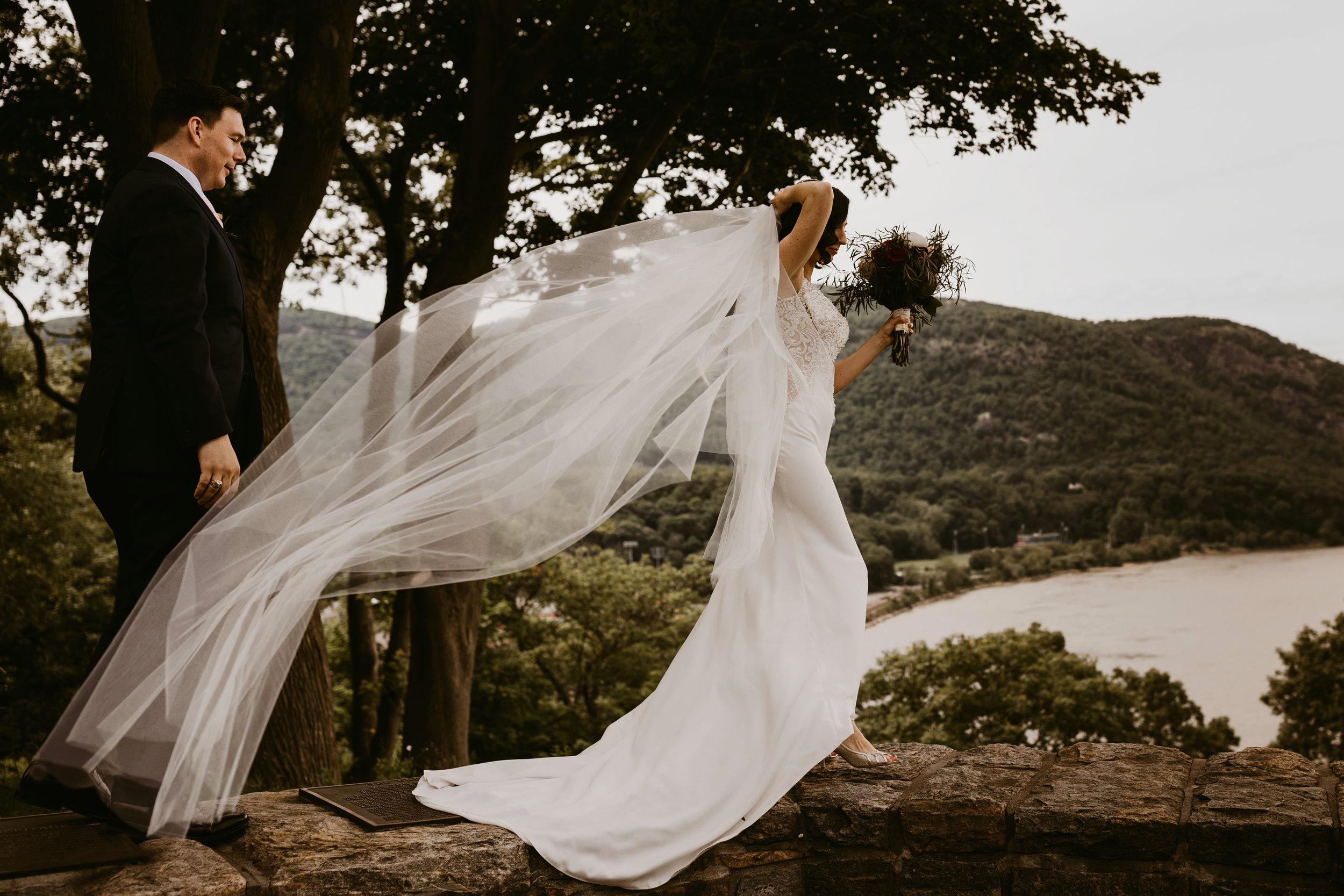 LaurenandAlex-weddingpreviews(6of35).jpg