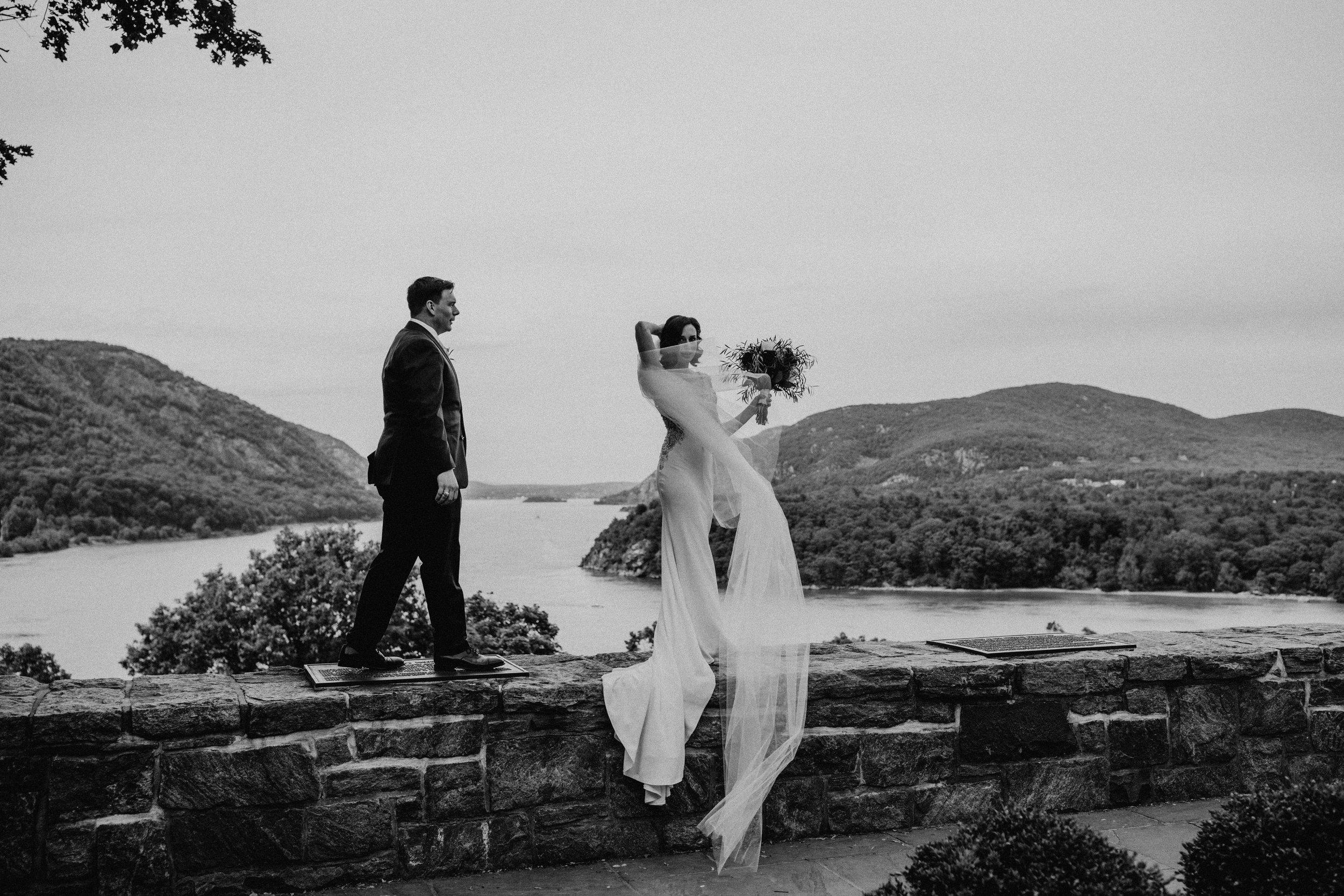 LaurenandAlex-weddingpreviews(7of35).jpg