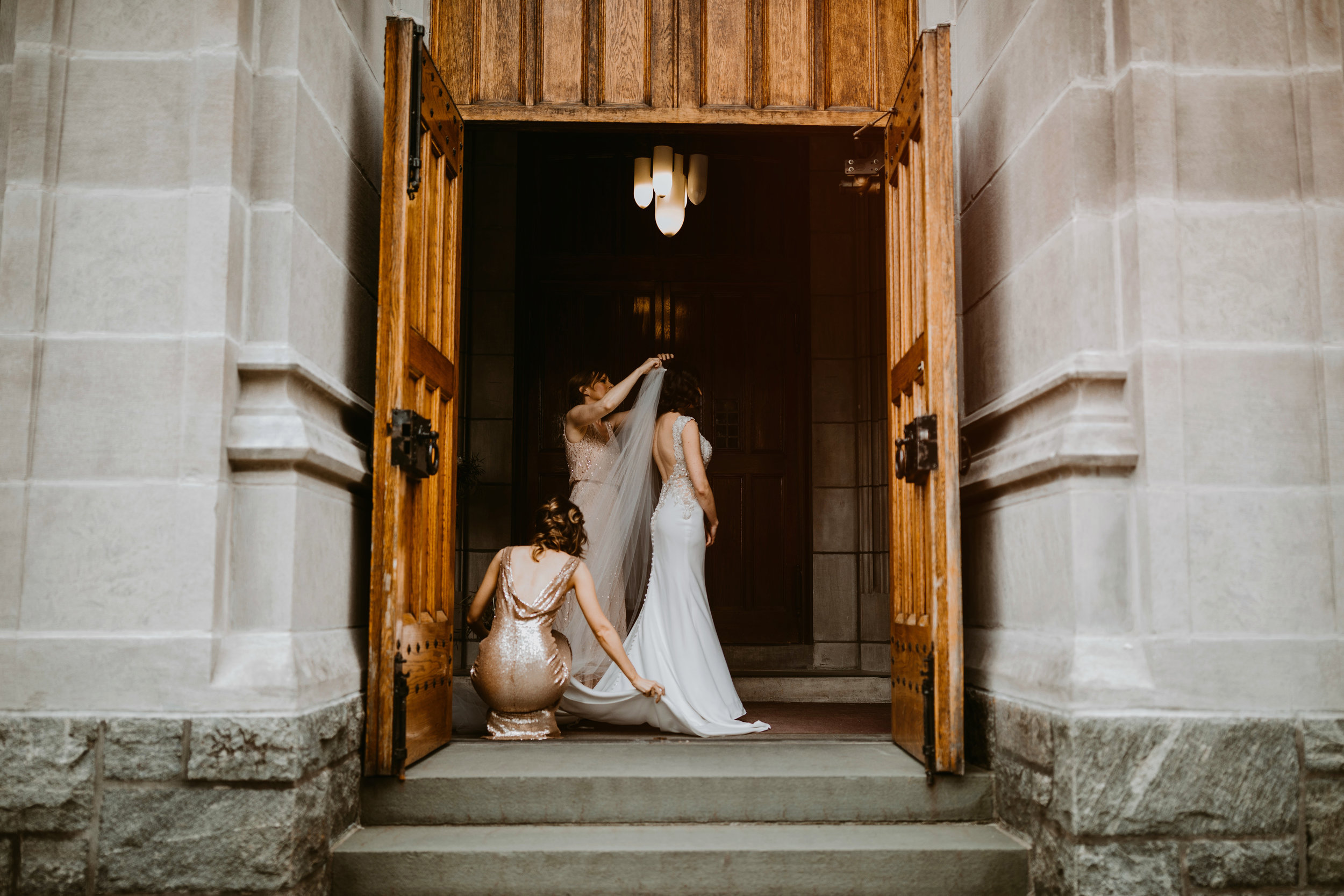 LaurenandAlex-weddingpreviews(2of35).jpg