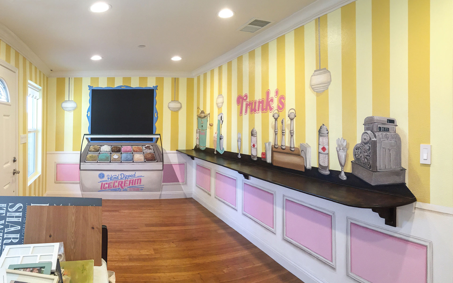 Trunk's Ice Cream Parlor