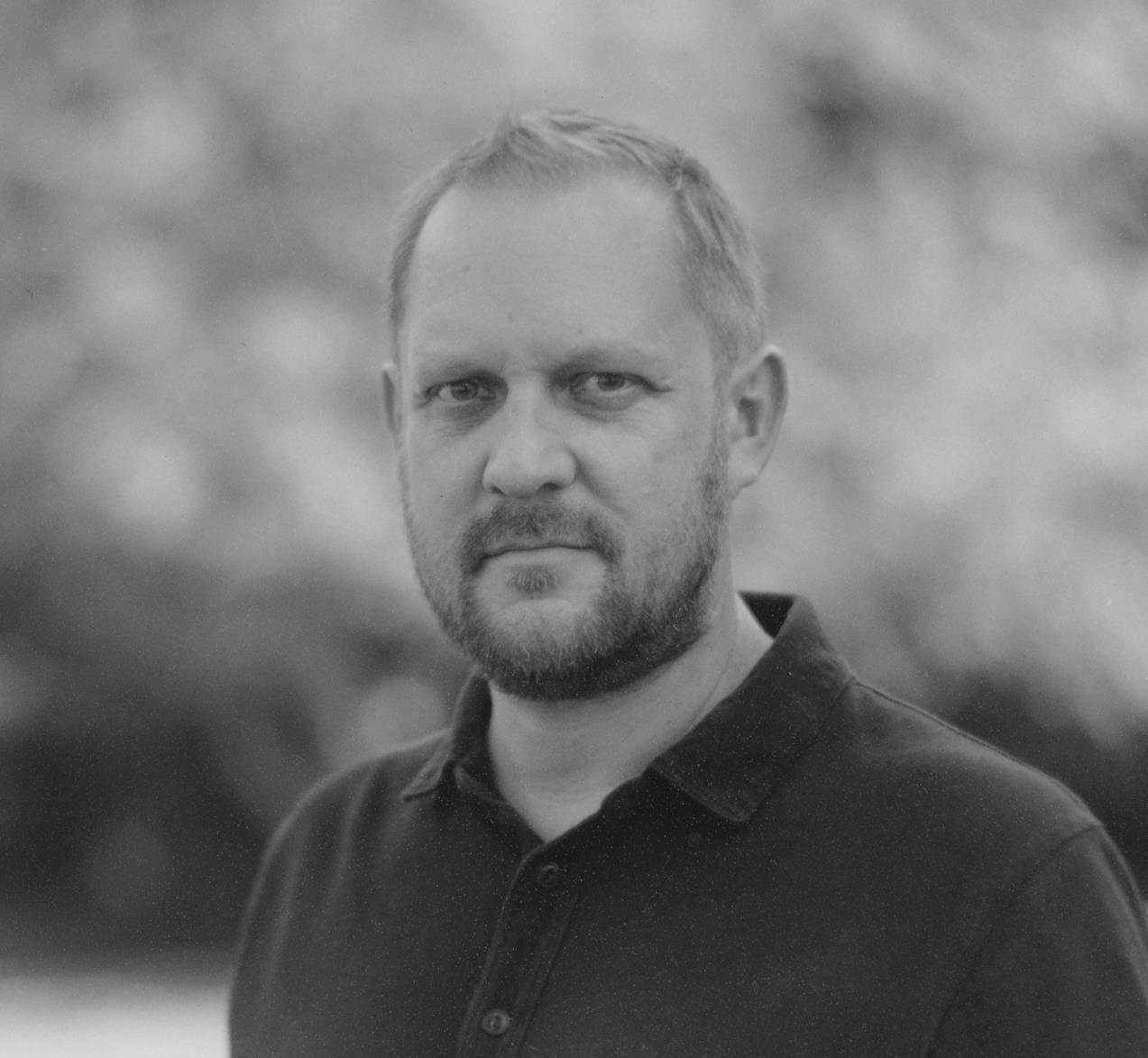 Peter Swanson headshot.jpg