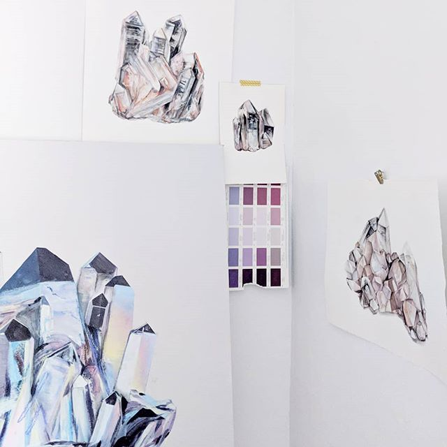 Things forever in progress ✨  #quartzstudies #crystalmagic #whyiloveminerals #crystalpaintings #quartzcrystal