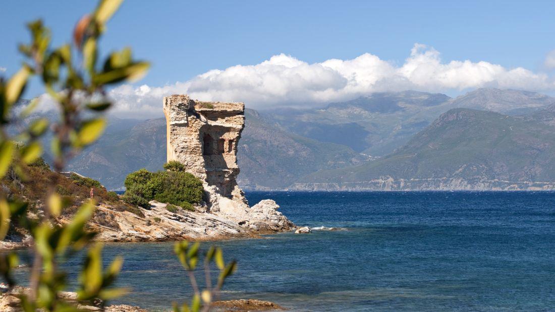http_%2F%2Fcdn.cnn.com%2Fcnnnext%2Fdam%2Fassets%2F170801130628-abandoned-castles-mortella-tower.jpg