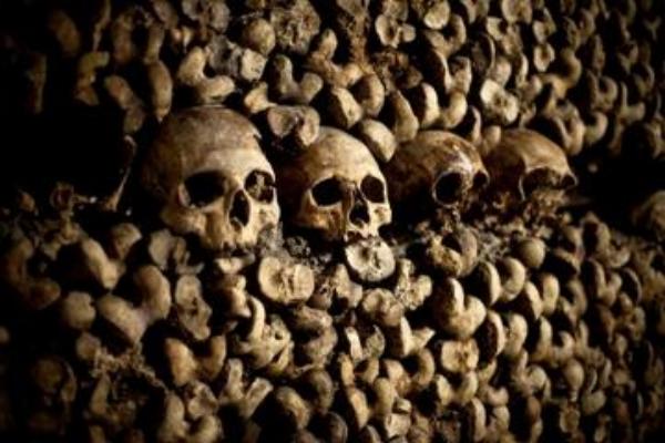 100017_Paris_Catacombs_d479-672.JPG