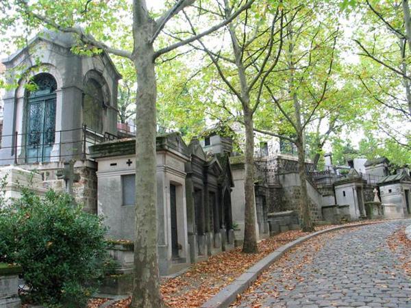 Père_Lachaise_Necropolis.jpg