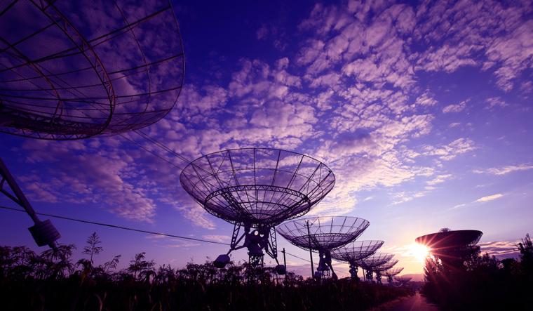 telescopes-radio-signals-space-observatory.jpg