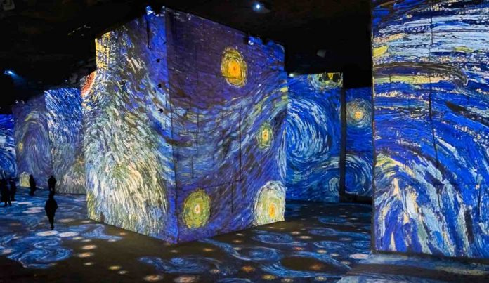 6-Atelier-des-Lumières-Van-Gogh-Exhibition-Released--696x403.jpg