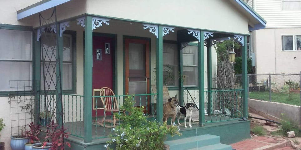 Sweet-Organic-Pet-Friendly-Getaway-1.jpg
