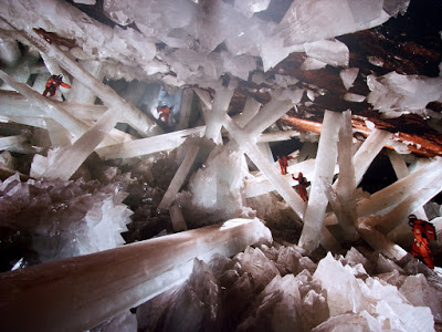 Cave of Crystals -Giant Crystal Cave 2.jpg