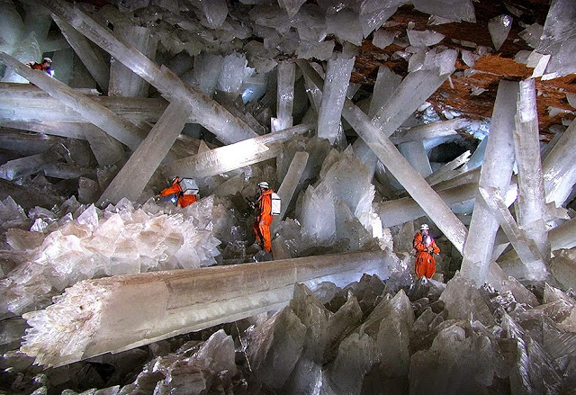 Cave of Crystals -Giant Crystal Cave.jpg