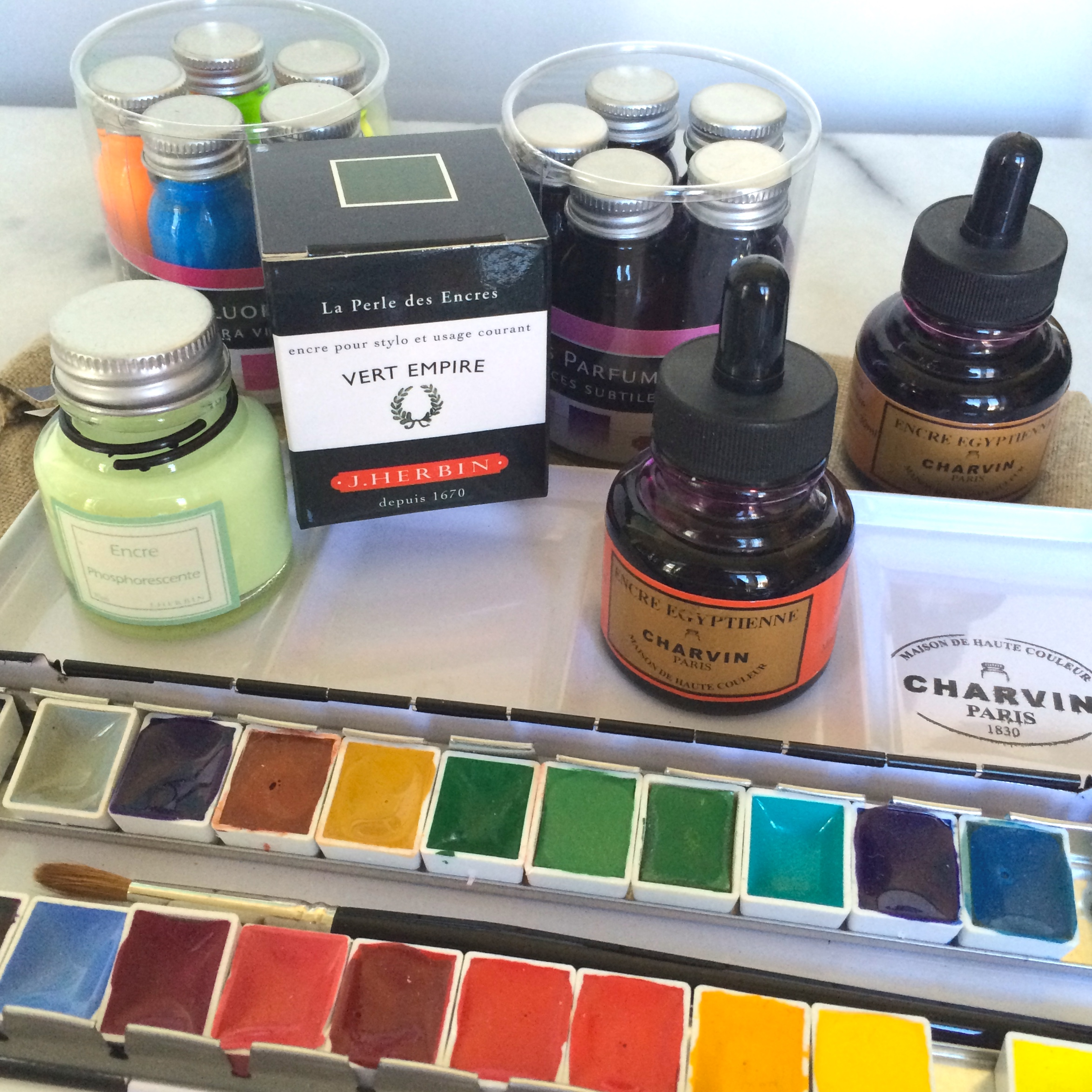 Ink! Watercolors! Yes, I bought a lot. Now I have no excuse not to get straight back to work. Scented! Flourescent! and the pièce de la résistance: Glow-in-the-dark ink!!