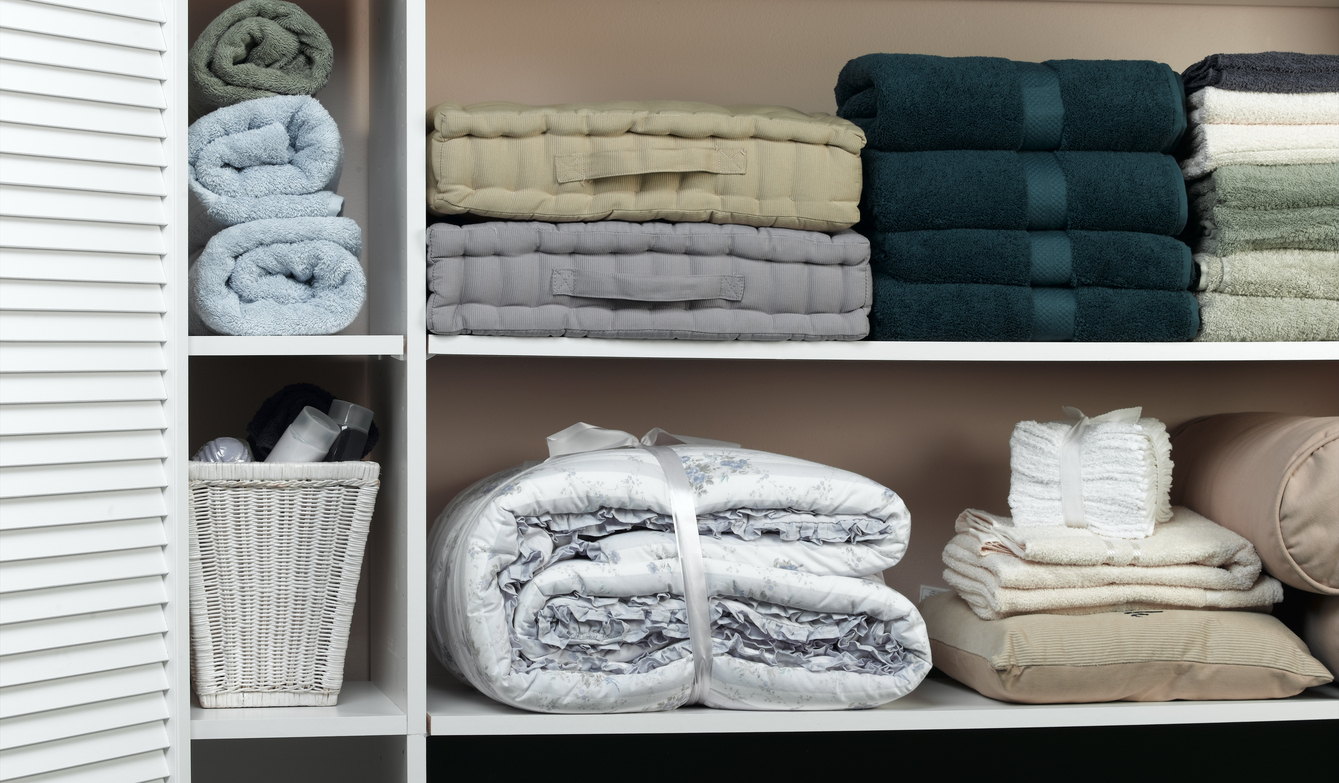 pro tips for organizing your linen closet