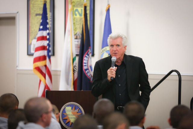 Luke Zamperini addresses a group of students at Sunburst Youth Academy, 2017.