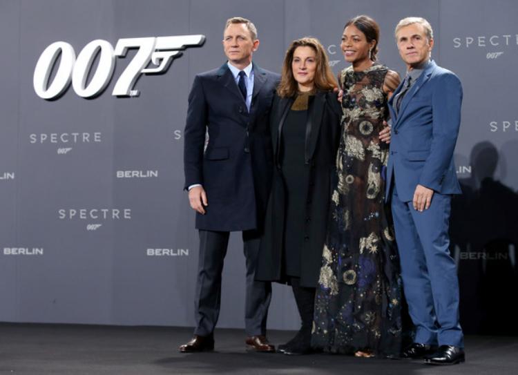 (L-R_ Daniel Craig, producer Barbara Broccoli, actress Naomie Harris and actor Christopher Waltz. (photo by Sean Gallup)