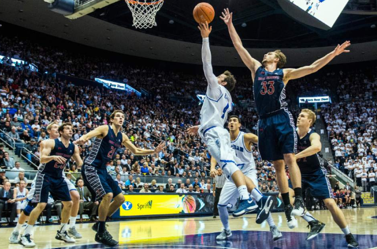 St. Mary's had no answer for Chase Fischer and Kyle Collinsworth on Thursday night in Utah.