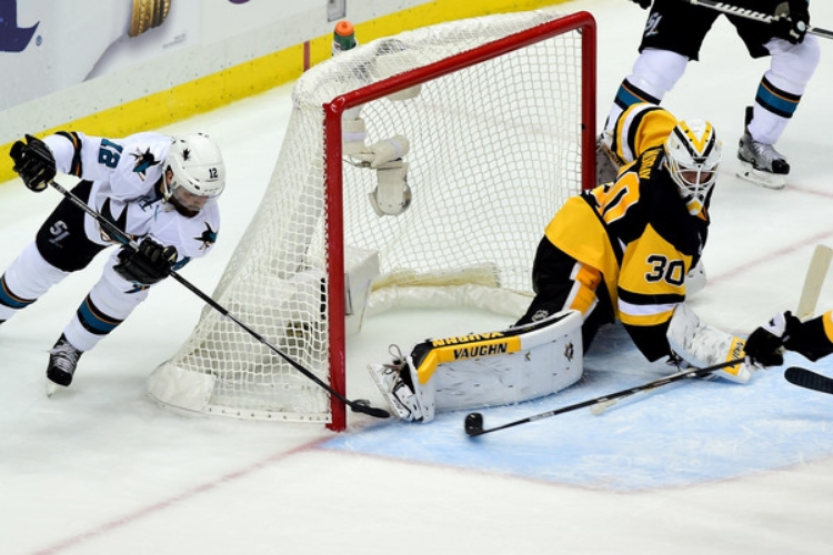 Patrick Marleau's wrap around goal tied Game 1 late in the second period. (photo by Matt Kincaid)