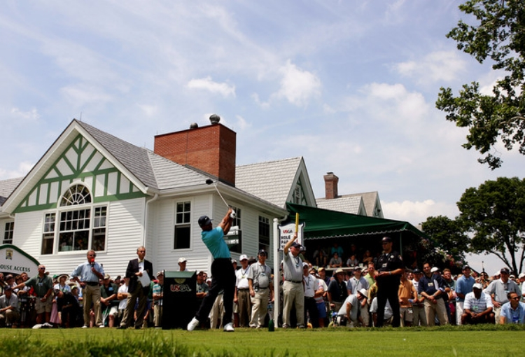 Tiger Woods at the difficult Oakmont Country Club, site of the 2016 U.S. Open.(photo by Ross Kinnaird)