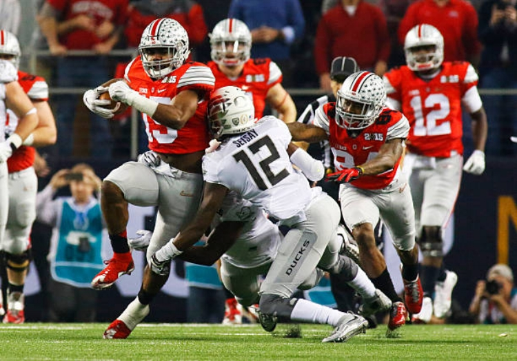 Seisay lays a hit on Ohio State's Ezekiel Elliott in the 2015 National Championship Game. (Photo by Icon Sports Wire)