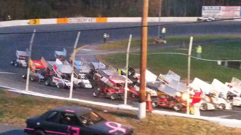 ATQMRA goes 4 wide to salute the fans