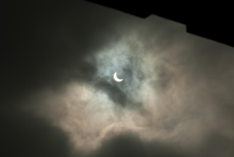 partial eclipse 3.jpg