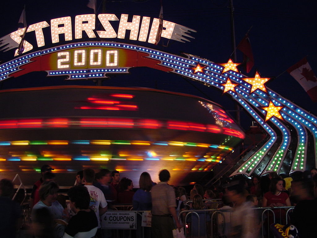 1024px-Gravitron_At_Night.jpg