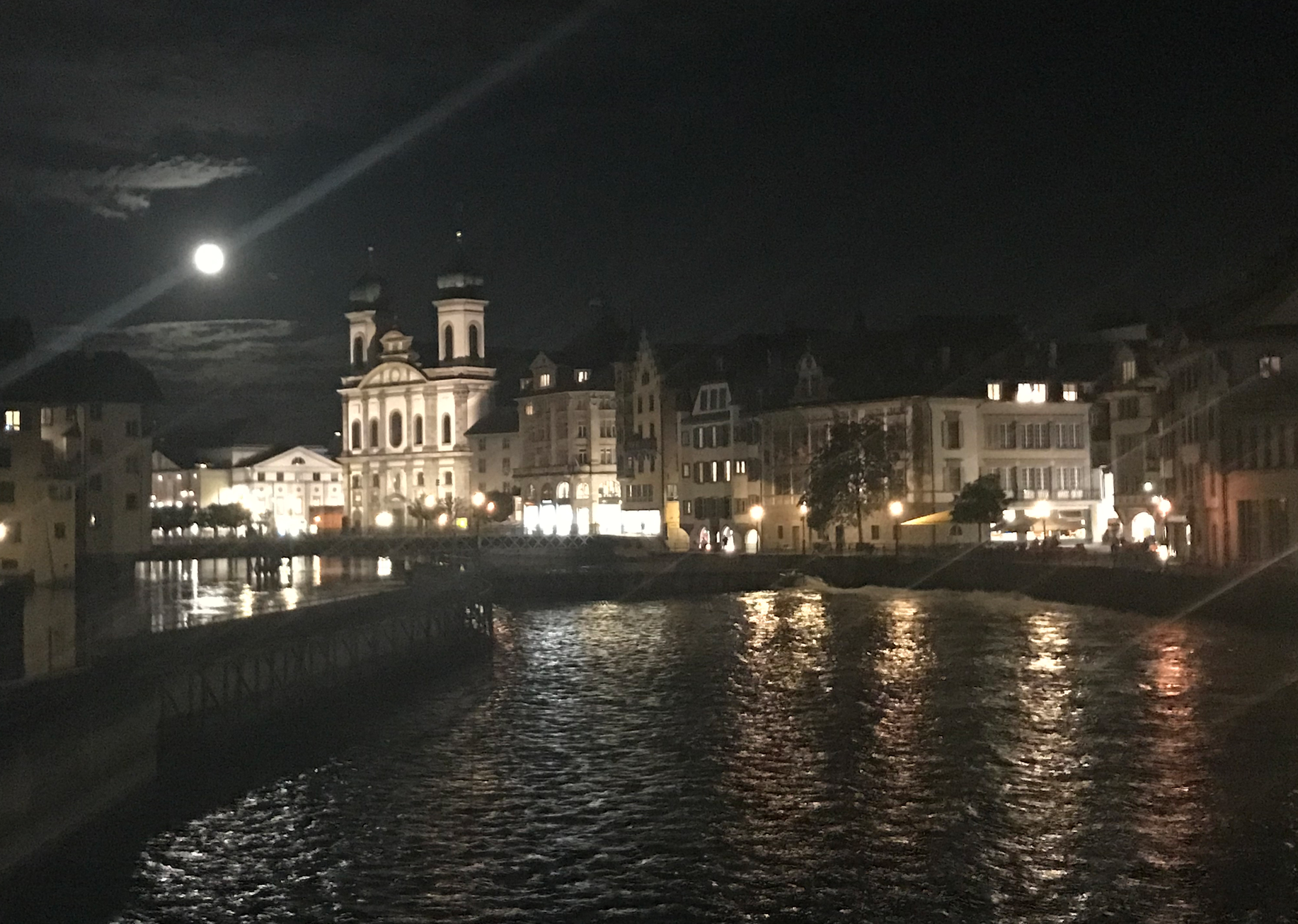 luzern by night.png