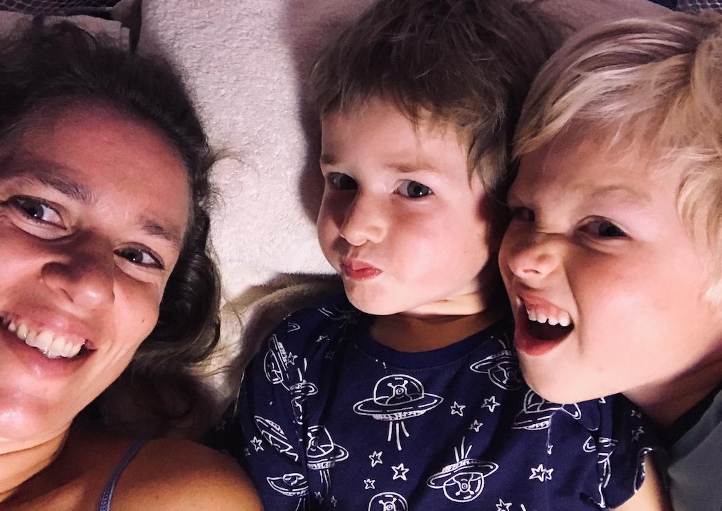 gezin slapen camper.png