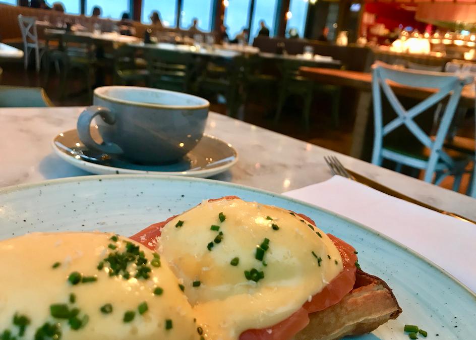 Een fresh waffle als ontbijt natuurlijk. What else? Onwijs lekker!