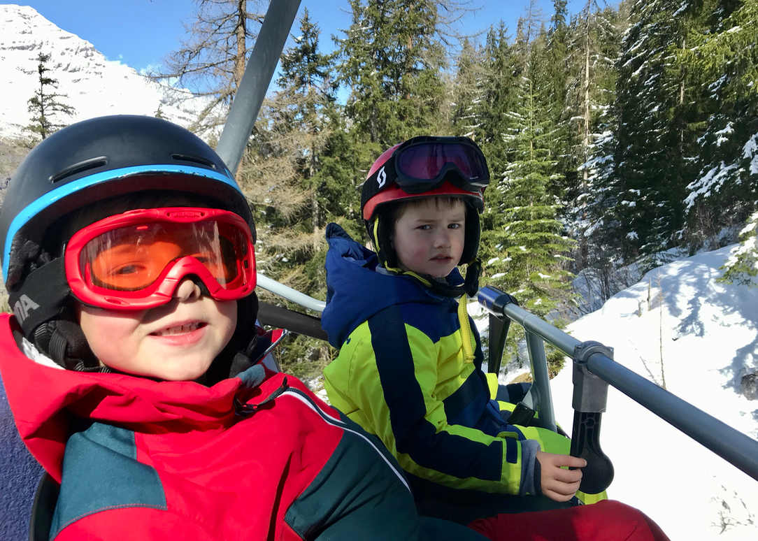 skien met kinderen val cenis.png