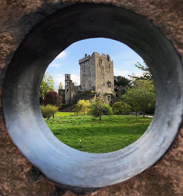 I spy with my little eye.... a 🏰✨☘️ * * * #todaysadventure #travel #getoutside #ireland #blarney #castle #history #blarneycastle #throughthepeephole #magic #lucky #fullofeloquence