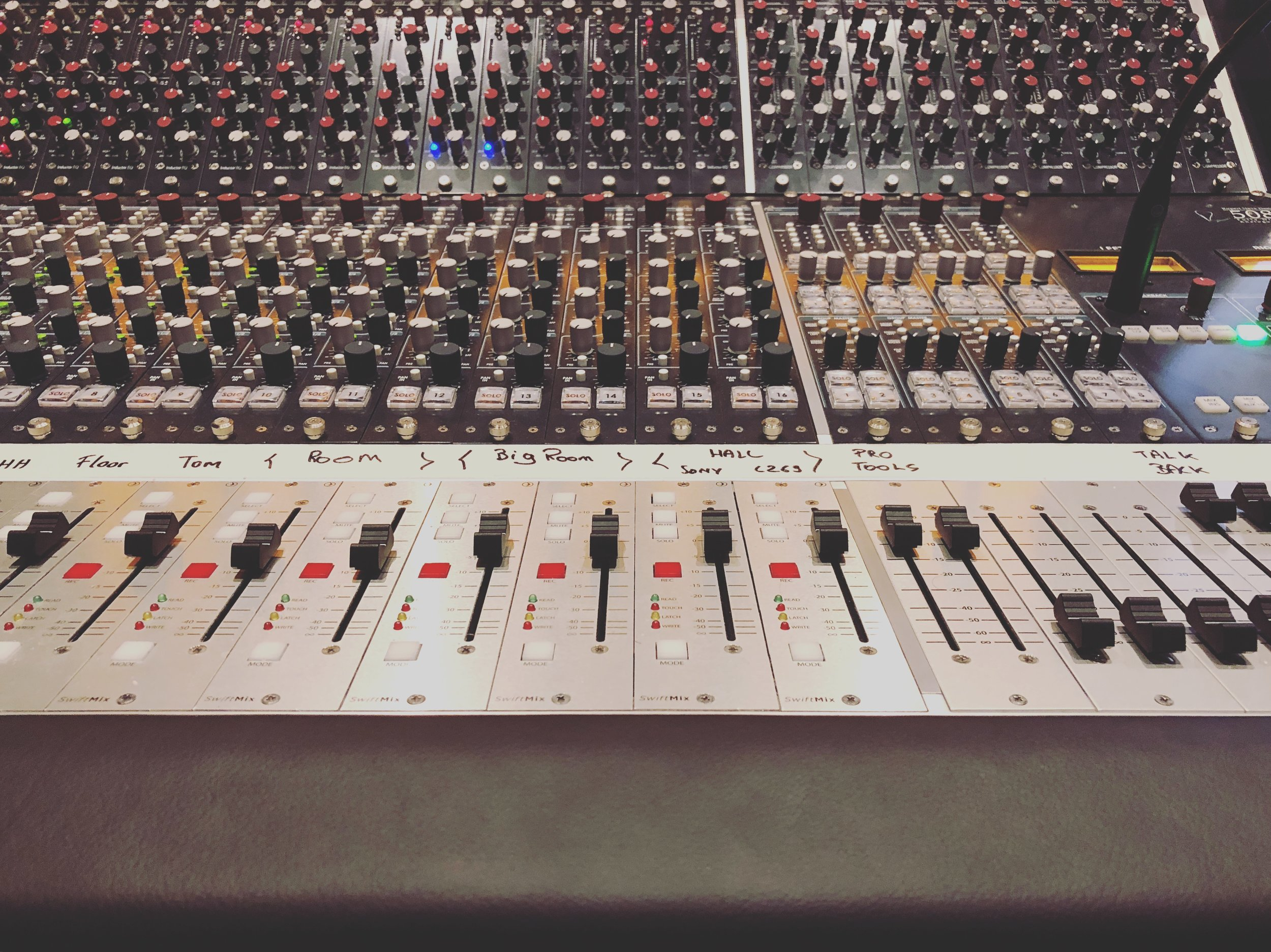Obligatory photo of mixing table. Check.