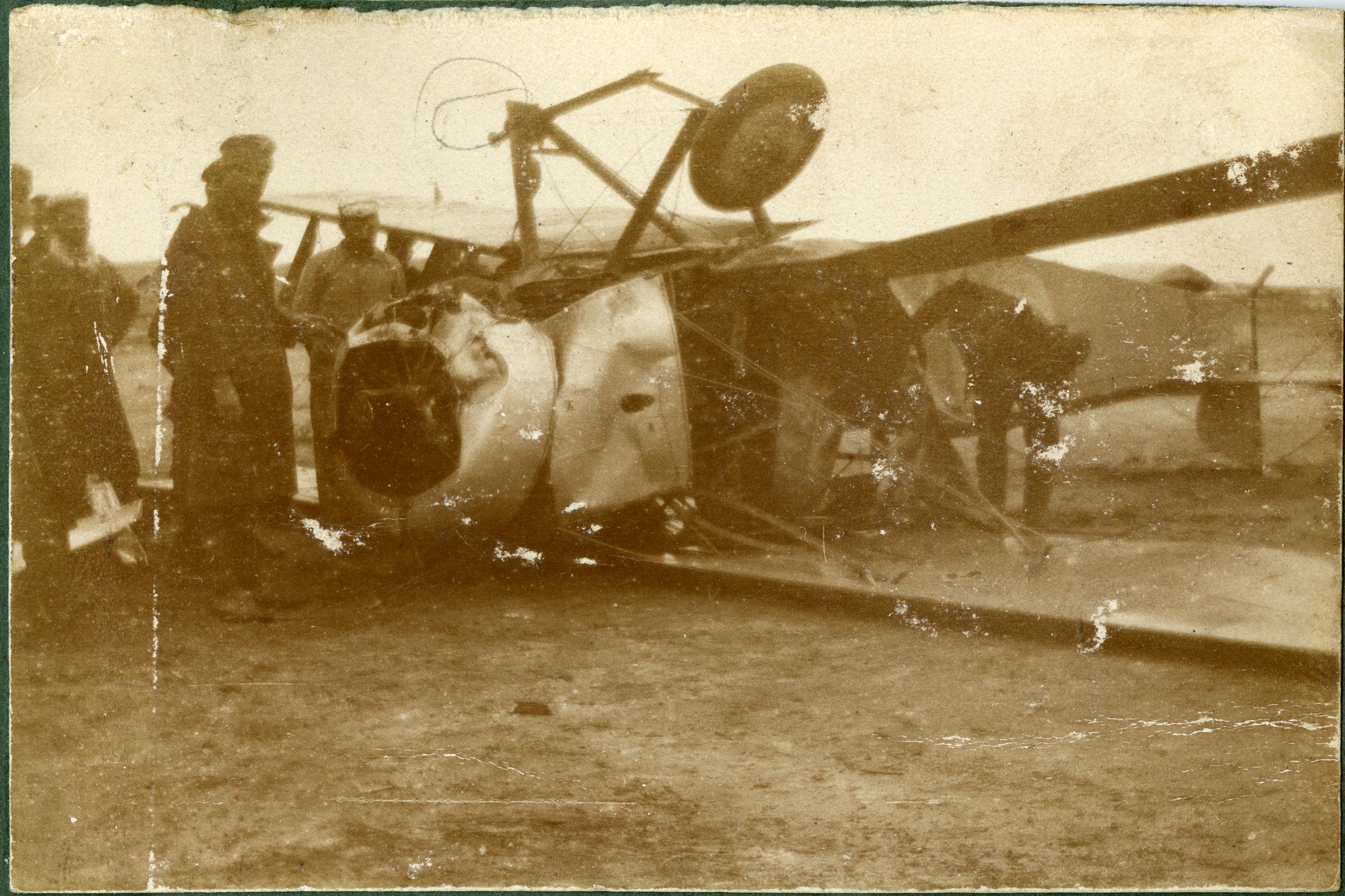 """""""A Greek pilot's attempt at landing"""""""