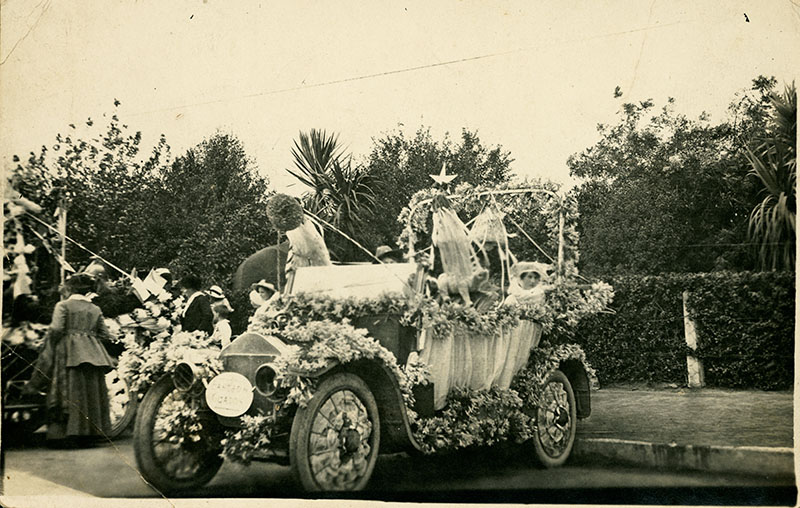 "The Griffith family Buick decorated as the ""Dove of Peace""."