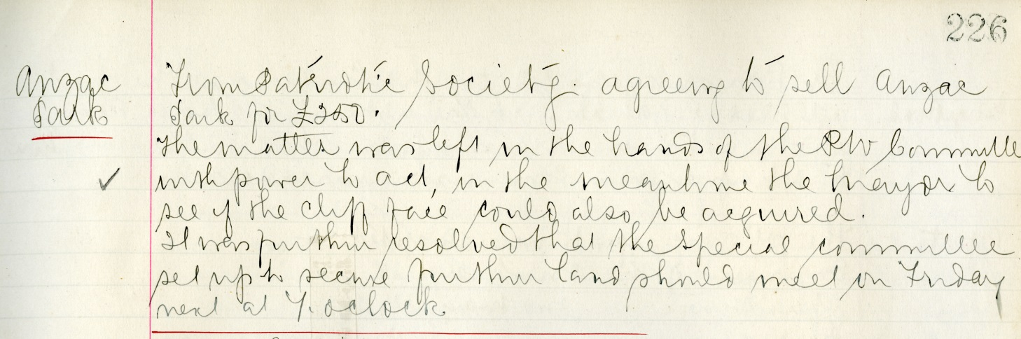 Figure 1: Excerpt from Palmerston North City Council Minute Book of 2 May 1916 showing the discussion of, and agreement to, purchasing ANZAC Park. Reference: Minutes of Council Meetings, 1914-197, Volume 7, Series 1/1/1, Ian Matheson City Archives.