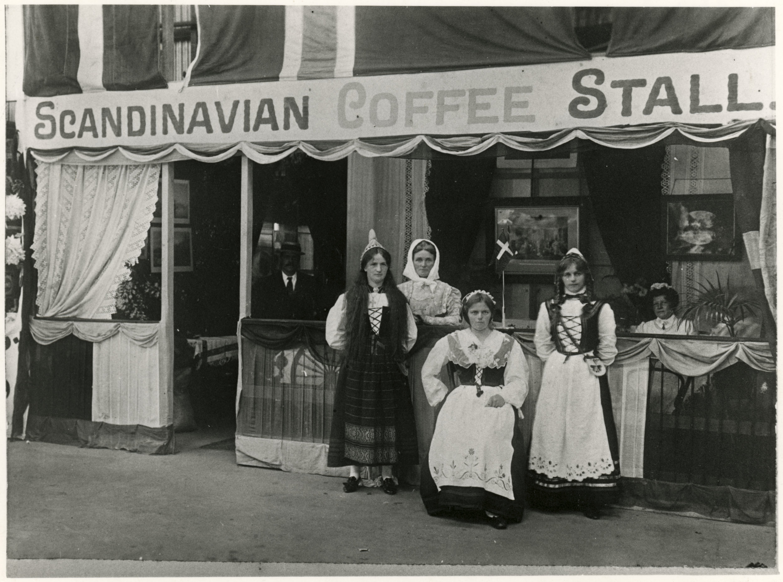 SOURCE: Pataka Ipurangi,Palmerston North City Library photograph collection