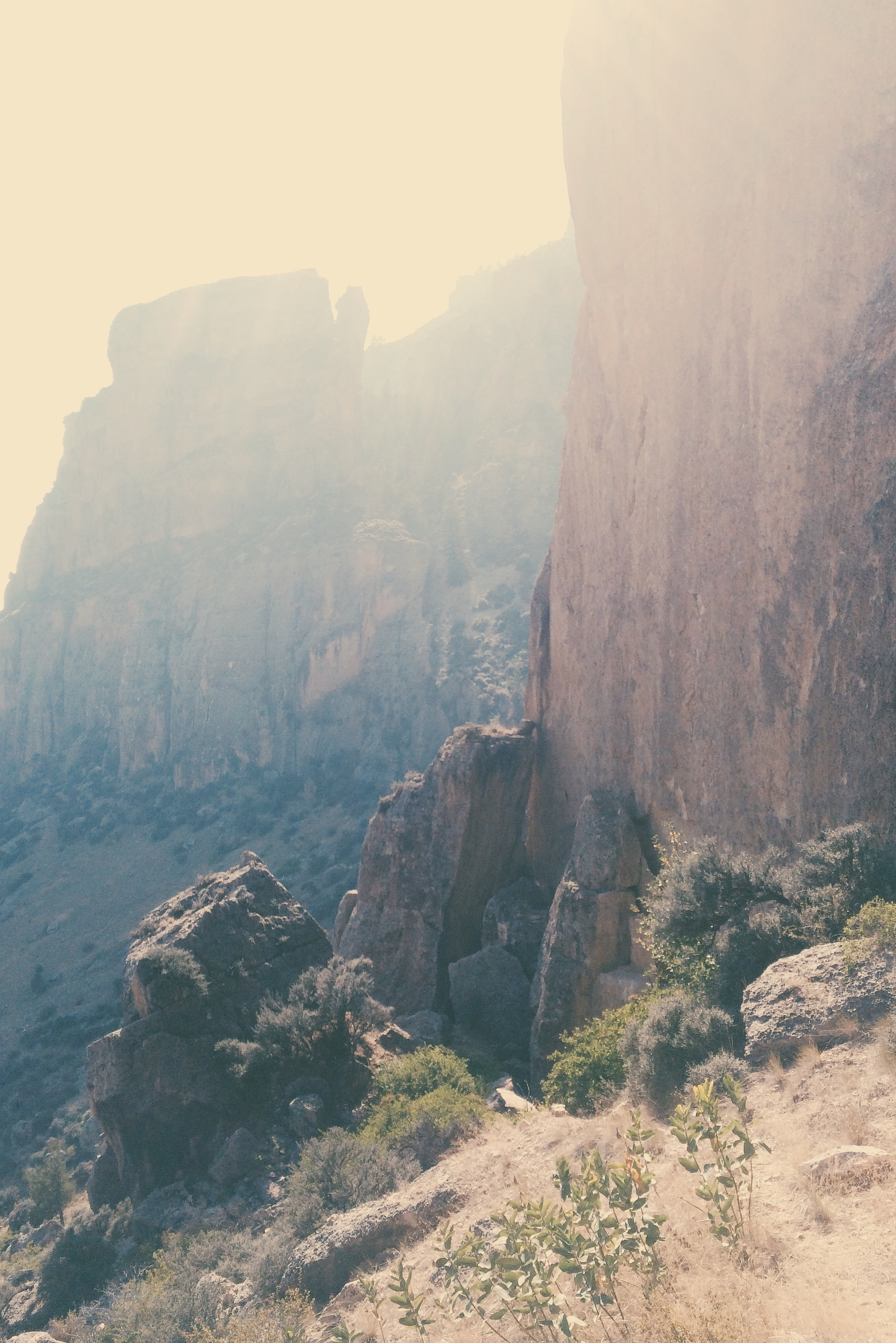 Amazing cliffs reminiscent of Smith Rock