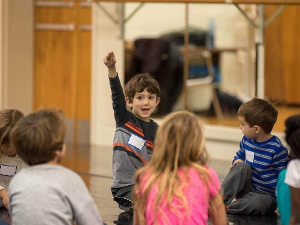 "OZ ARTS NASHVILLE - TEACHING ARTIST (2018-2019)""OZ School Days offers youth arts education led by teaching artists, experts in their fields of movement, music, theatre, and visual art."" LEARN MORE"