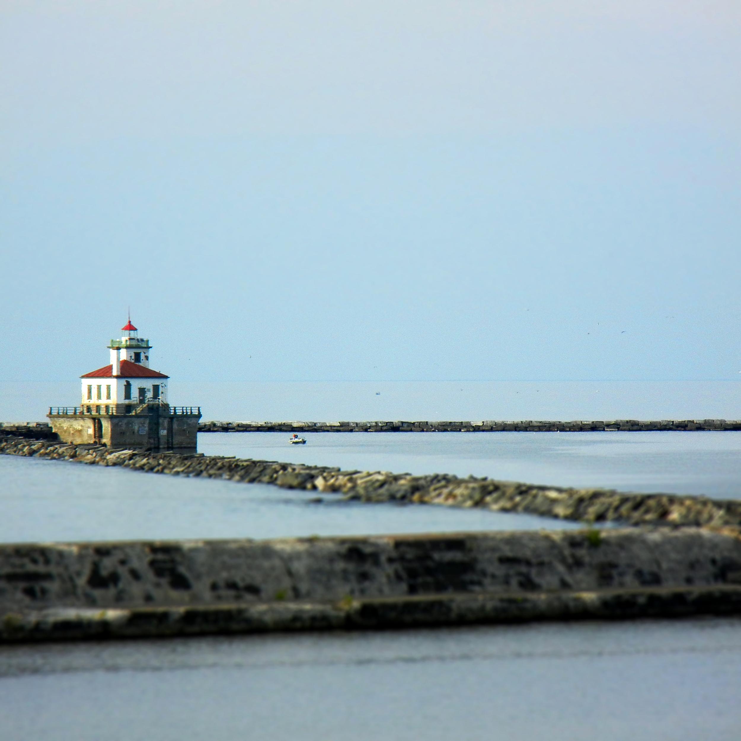 Lake_ontario_lighthouse.jpg