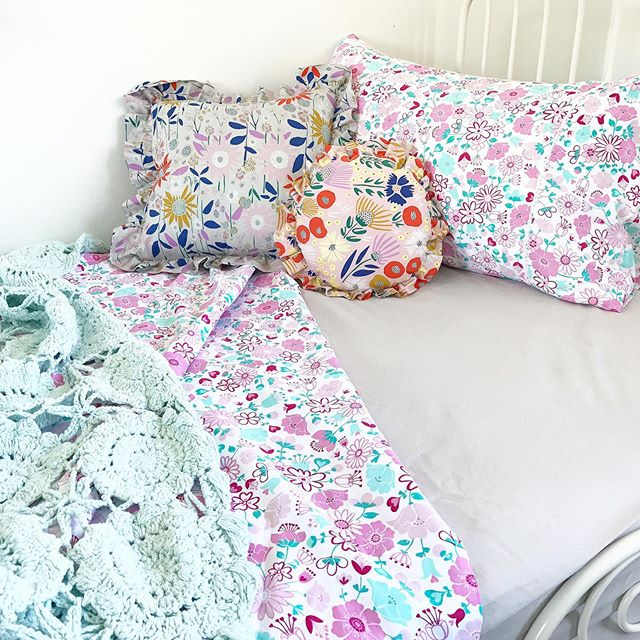 I know you guys love a seconds bargain, so heads up, a floral doona cover set and a couple of sheet sets have just been added to the seconds section of my website!! These bargains usually fly out the door, so be quick!! Australian shipping is FREE!!! 💕