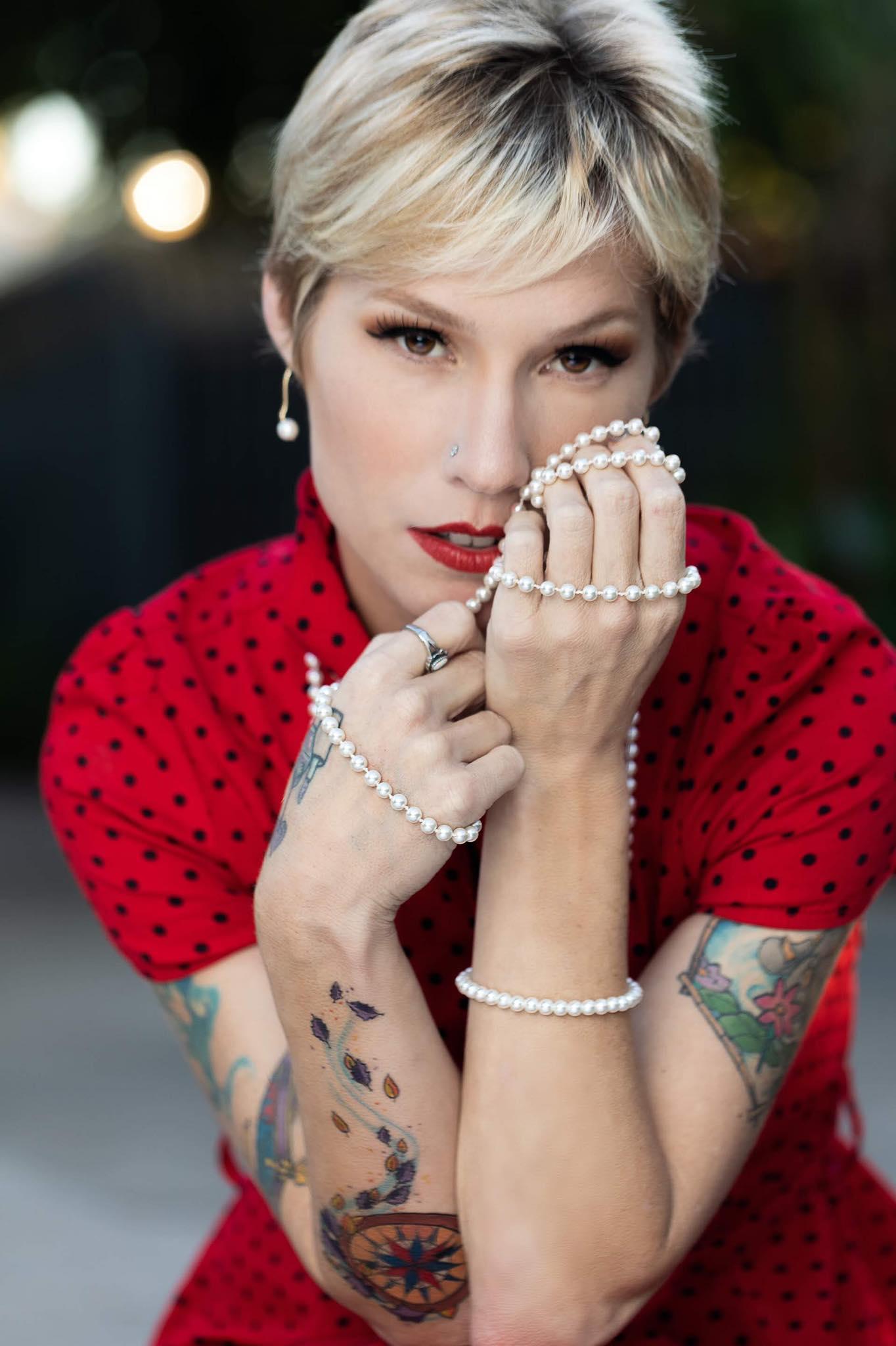 Jennifer Segura: Makeup Artist Specialized in Beauty Makeup and Body Art