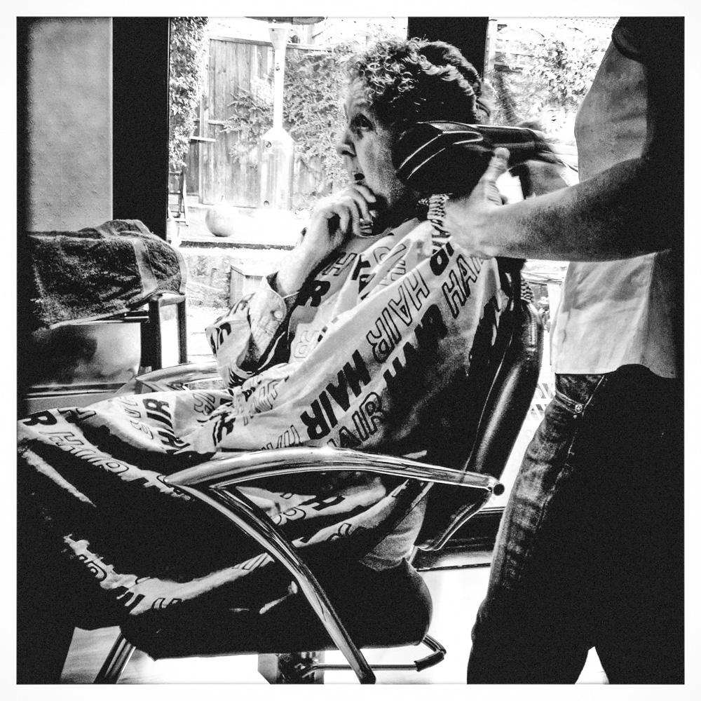 day_194_nk_hairdessers_003.jpg