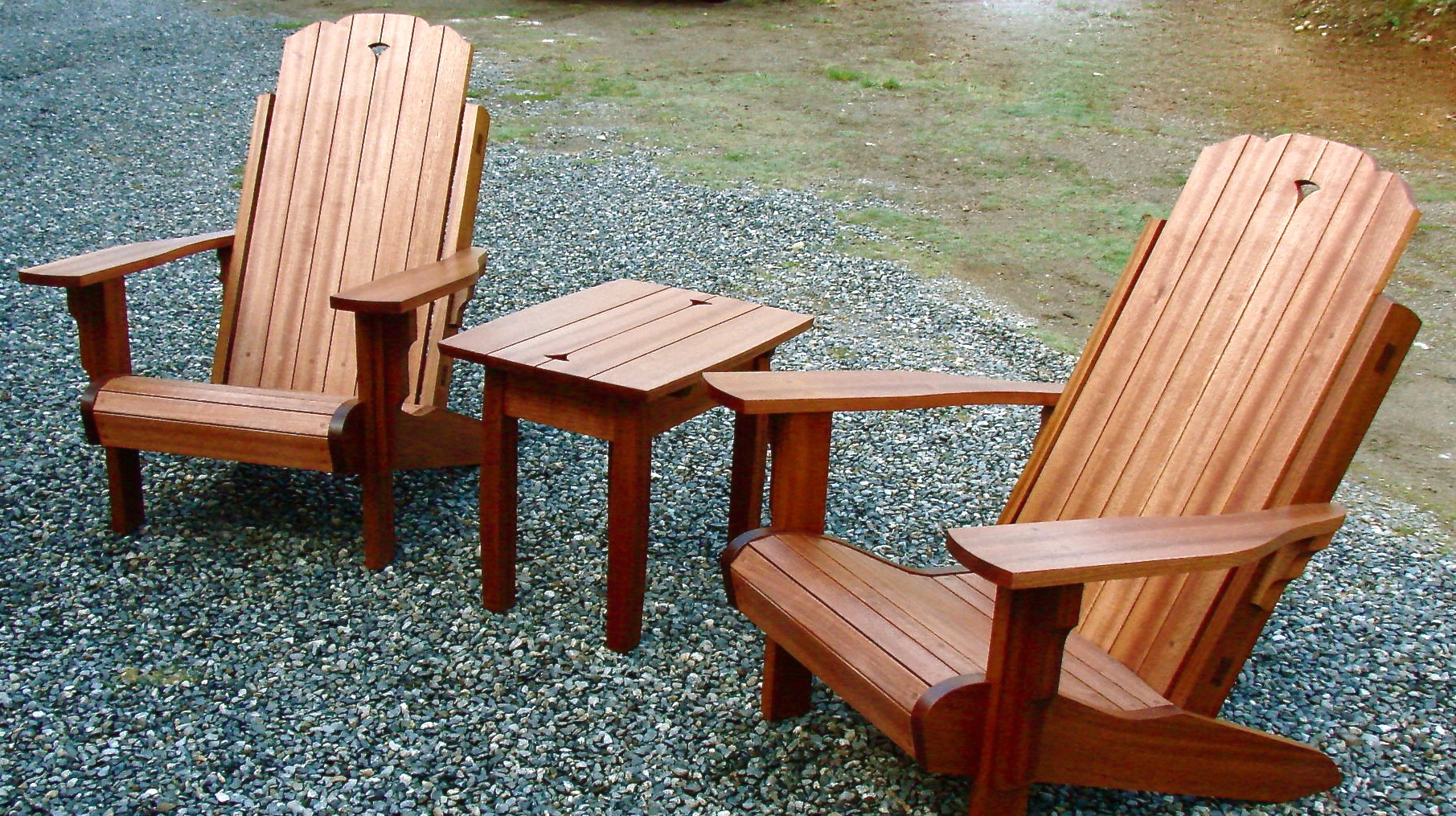 outdoor chairs and table.jpg