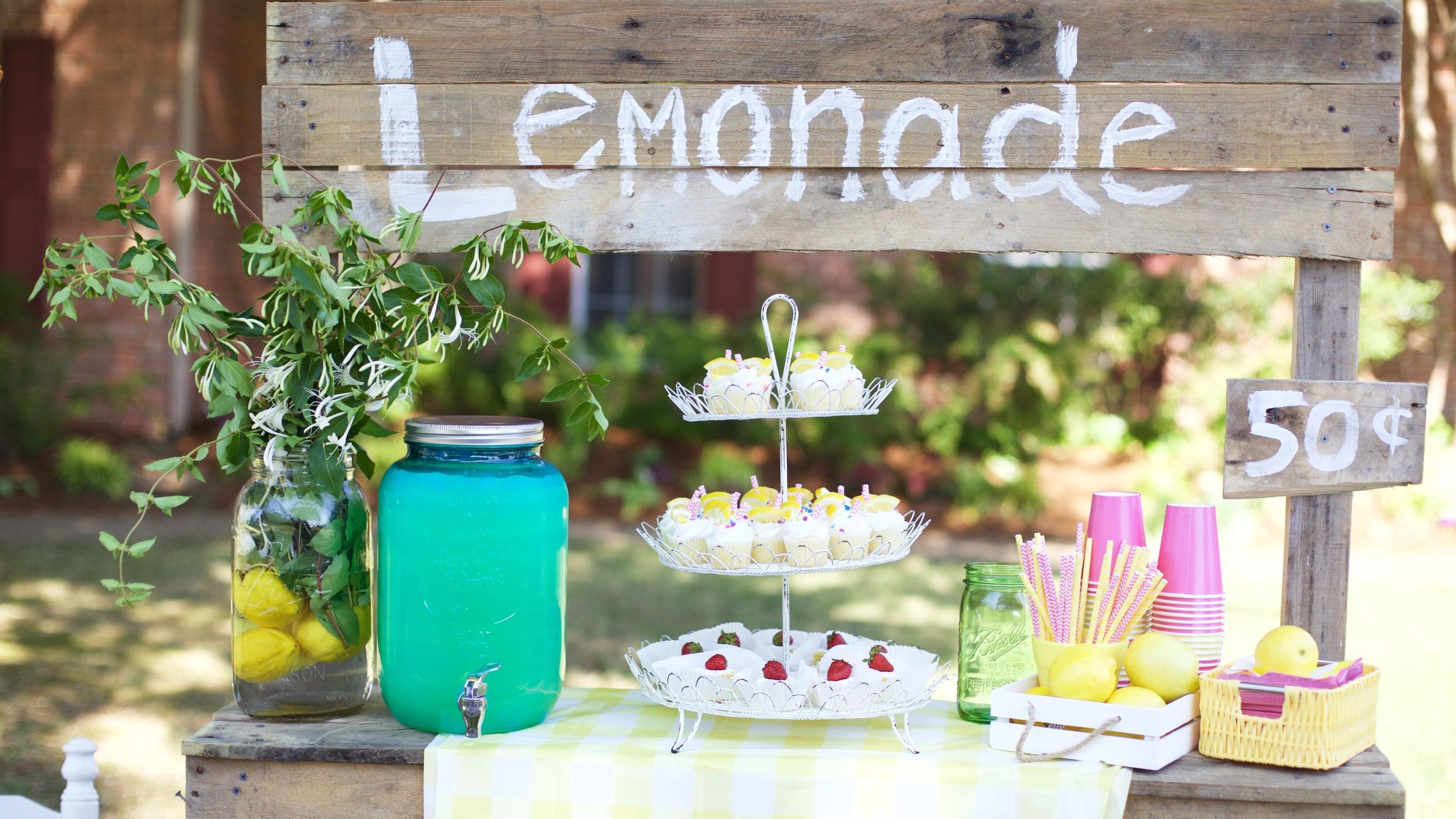 Honeysuckle Lemonade
