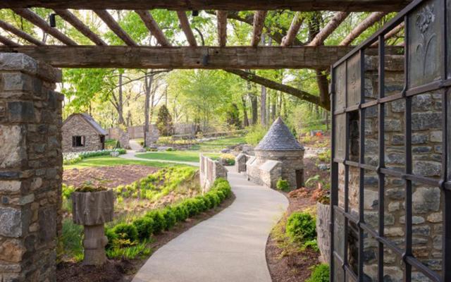 Howe-Garden.jpg