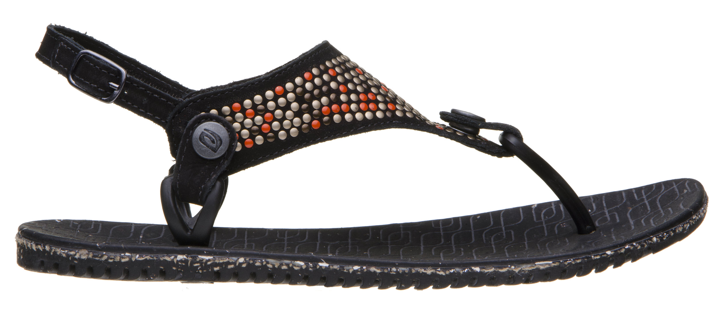 Women - Luxury is in the recycling. Comfort is in the design. A sandal to be worn all summer.