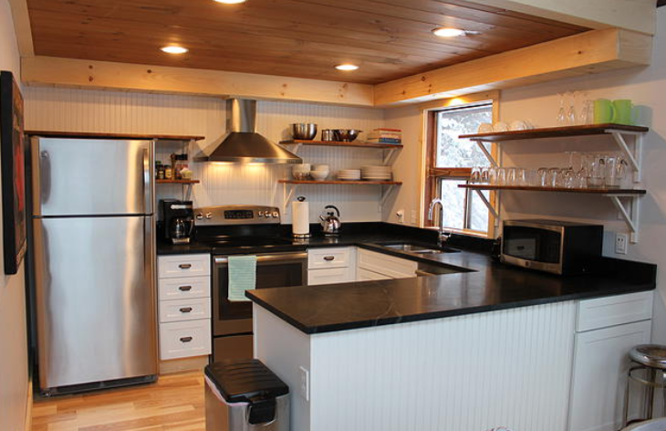 Stowe Kitchen Shelves