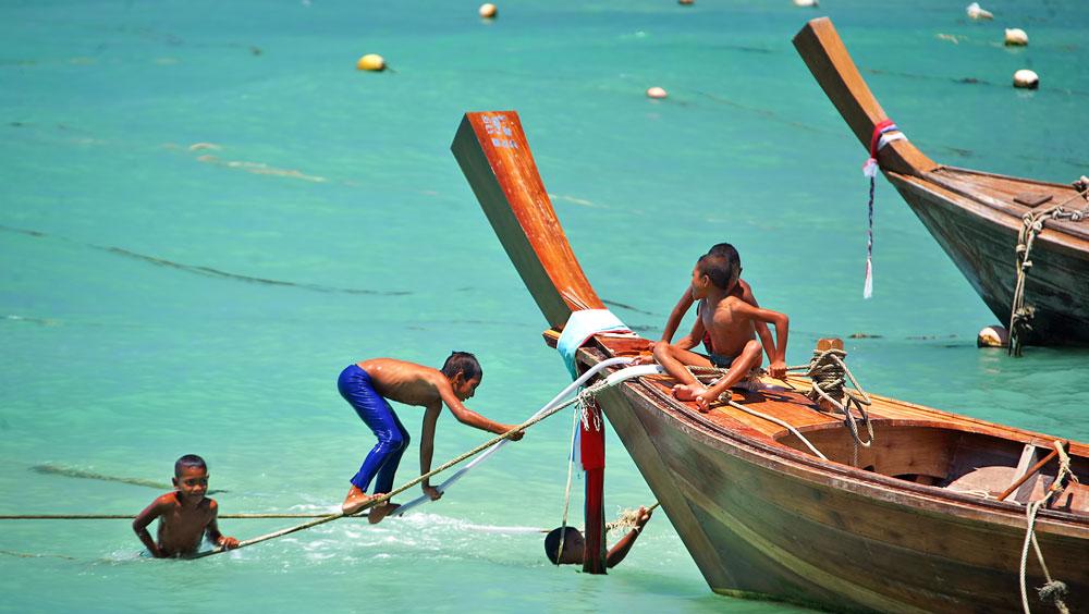 Sea-Gypsies 03.jpg