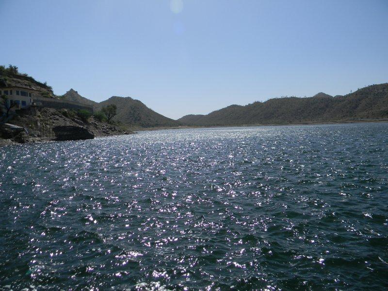 Badi Lake (47).jpg