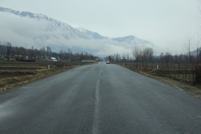 wide roads kashmir14 3.jpg